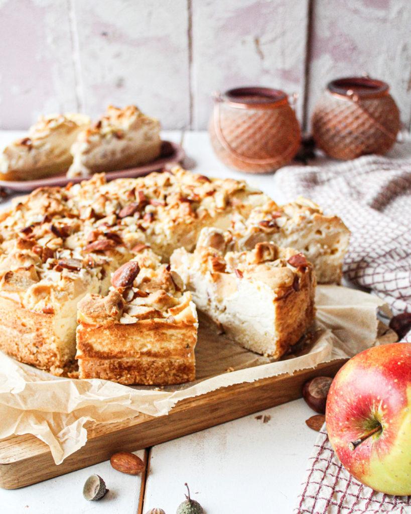 Apfelkuchen mit Streuseln und Pudding