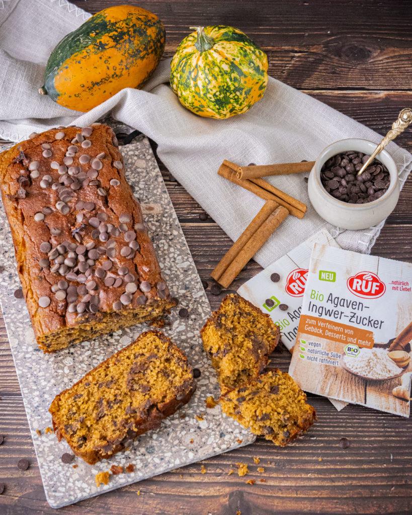 Schokoflocken-Kuchen mit Kuerbis oder auch Kuerbiskuchen mit Schokolade